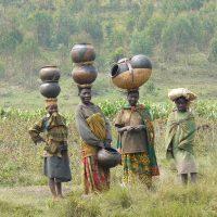 women-Twa-pottery-rwanda