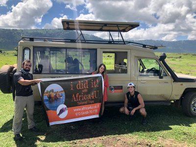 רכב וכרזה africa4u בספארי טנזניה